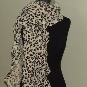 D&Y Leopard Ladies Scarf Muffler Off-White New